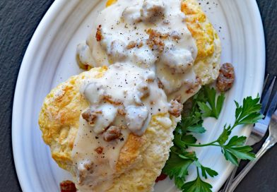 Vegan Southern Style Biscuits & Gravy