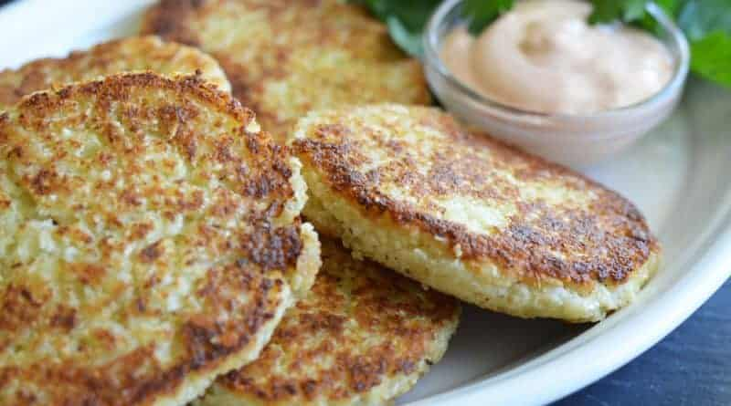 Cauliflower Fritters with Copycat Outback Bloomin' Onion Sauce