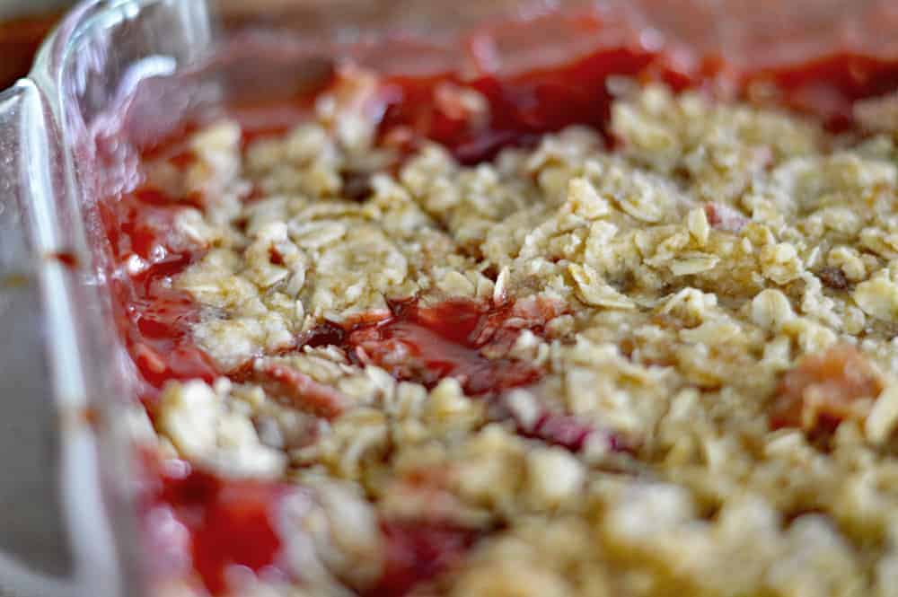 Baked Vegan Strawberry Rhubarb Crisp Recipe