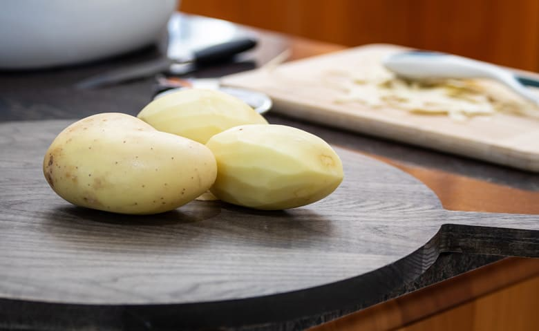 peel-potatoes-for-air-fryer