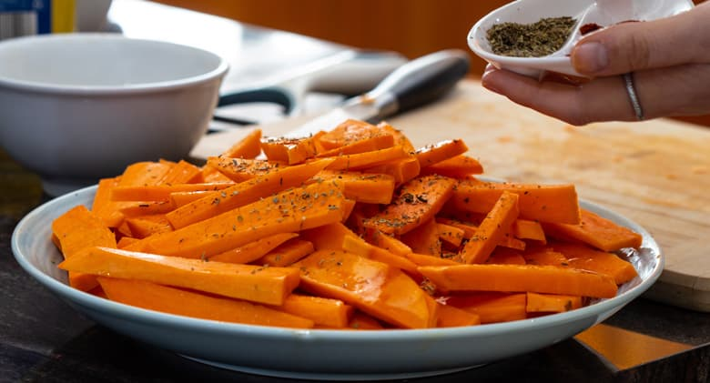 seasoning-sweet-potato-vegan-fries