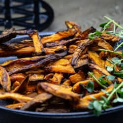serving-sweet-potato-fries-vegan
