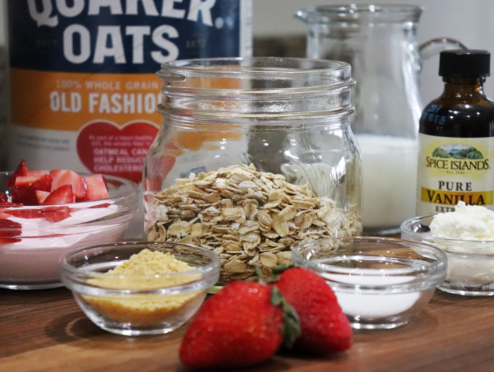 Ingredients for Vegan Strawberry Cheesecake Overnight Oats